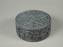 Dóza pentagram kulatá