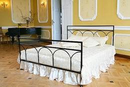 Kovová postel Saskie 180x210