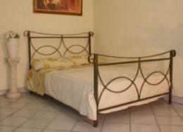 Kovová postel Olivie 90x200