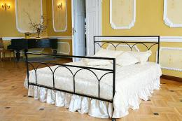 .Kovová postel Saskie 200x200 cm