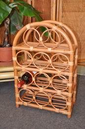 Ratanový stojánek na víno koòak