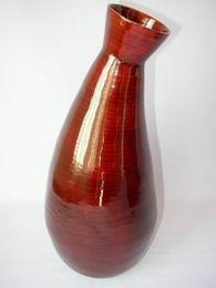 Bambusová váza zakøivená