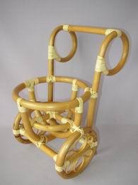 Ratanový stojánek na kvìtinu vozík