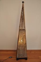 Lampa ratanová vysoká jehlan vèetnì LED žárovky