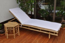 Bambusové lehátko Polo s polstrem a odkládacím stolkem