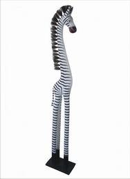 Zebra stojící