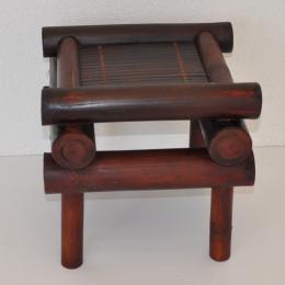Bambusová stolièka hnìdá